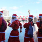 夏! サンタ! 海! 燃焼系! サンタの衣装を着て街を歩こう!!! サンタファンラン in オーストラリア!
