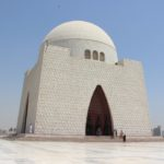 ジンナー廟 パキスタンの創立者は今でも国民に愛されている